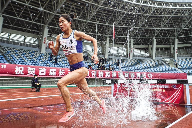 甘肃省名将张新艳打破女子3000米障碍赛全国纪录